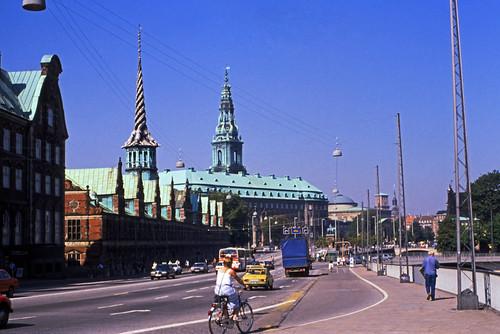 """380DK København Slotsholmen • <a style=""""font-size:0.8em;"""" href=""""http://www.flickr.com/photos/69570948@N04/15320491861/"""" target=""""_blank"""">View on Flickr</a>"""