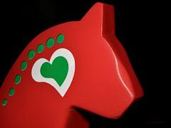 610_1541_4096 (a.marquespics) Tags: heart coração green verde vermelho red colorful colorido nikon d610 2870mmf3545d 31heart 52of2017 cavalo horse figura figure nikkor afd