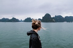 Halong Bay (habologique) Tags: vietnam travel travelling workation bortrait backportrait self wind sea asia southeast halong bay halongbay canon eos500d sigma sigmaart art 1835mm habologique