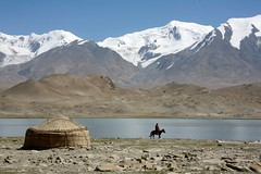 Kyrgyz Yurt Karakul Lake Muztagh Ata Xinjiang Uyghur Autonomous Region of China (eriagn) Tags: kyrgyz yurt felt wool pattern traditional portable conical circular weatherproof warm insulated handcrafted karakullake muztaghata chinanationalhighway314 karakoramhighway kkh sanddune river dune mountain snow peak stonebuilding highway road highaltitude scenic landscape remote rugged geology eurasianplate indianplate tectonics sarykol yellowlake gezrivercanyon ghezriver murztaghata kyrghiz ethnic pakistan pamir kunlun silkroad traderoute ngairehart ngairelawson eriagn threadsinthesand expedition travel adventure photography route asia china centralasia farwesternchina cold kongershan exploreunexplored earthslandscapes