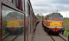 Seeing Double - D5830 top n tail with 37714 , looped at Swithland Sidings. GCR Spring Disel Gala. 19 03 2017 (pnb511) Tags: class31 diesel spring gala gcr track train railway greatcentralrailway trains locomotives loco br semaphore carriages reflection