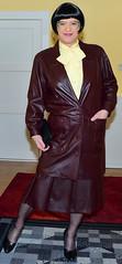 Birgit023859 (Birgit Bach) Tags: pleatedskirt faltenrock bowblouse schleifenbluse suit kostüm leather leder