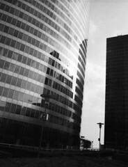Photo09_10 (Michele G. Manicone) Tags: skyscraper blackandwhite noiretblanc bronica etrs zenzanon 50mm agfa 400 120 film analog highcontrast 6x45 reflections architecture building ladéfense défense