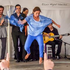_46X6562 (luismisax) Tags: cadiz sarabaras canonef70200f4lisusm canon1dmarkiii elbaluarte bluefincook flamencodancingtour