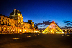 Musée du Louvre - Paris - France (laurent.liu) Tags: paris louvre musee pyramide parisbynight parisnuit