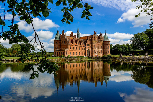 A fairy tale that gets under your skin (Denmark #6 Egeskov Slot)
