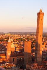 Torri, BOLOGNA (Eleonora Cacciari) Tags: city tower bologna torri citt