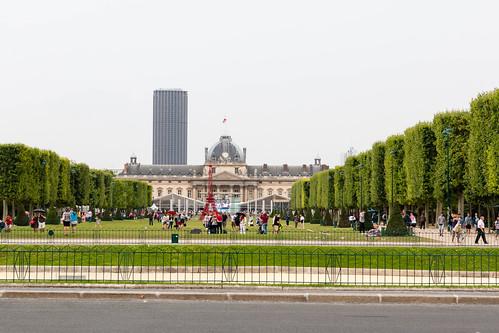 L'Ecole Militaire et la Tour Montparnasse