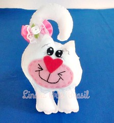 Enfeite de Maaneta gatinha Marri (lindas_artsbrasil) Tags: gato infantil quarto feltro decorao enfeite bichinho maaneta lembrancinha marri enfeitedemaaneta
