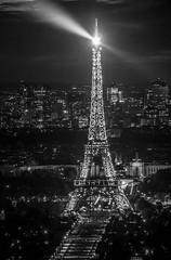 Tour Eiffel - Vue depuis la Tour Montparnasse - Paris (laurent.liu) Tags: paris canon tour noiretblanc eiffel toureiffel montparnasse 18200 tourmontparnasse whiteandblack parisbynight parisnuit toureiffelnuit canoneos700d