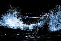 """... infrangersi sugli scogli ("""" paolo ammannati """") Tags: sardegna sea italy panorama me water italia raw mare sardinia photographer estate top natura ombre io 1001nights acqua viaggi isles bosa gocce isole paoloammannati goccioline effettinaturali 1001nightsmagiccity"""