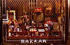 BazaarRueStLaurent (Daniel Heikalo) Tags: canada montreal façades québec fa qu faades architecturevernaculaire qužbec
