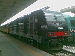 E484.902 AW (Luca Adorna) Tags: italianrailways milanoportagaribaldi e484 e484902 arenaways