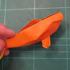 การพับกระดาษเป็นรูปปลาคาร์ฟ (Origami Koi Fish) 048