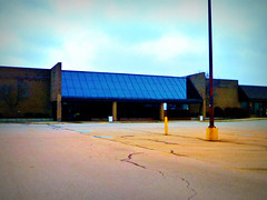 Closed Kroger... (Nicholas Eckhart) Tags: ohio usa retail america dead us closed market supermarket vacant oh former grocery stores kroger piqua 2014 shuttered