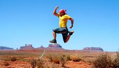 Monument Valley, USA (Ivan Serra) Tags: world china travel viaje nepal italy pose thailand amazing cool jump jumping salt spot awsome adventure jordan morocco salto mon nophotoshop mundo secretspot bot viajar aventura belive traveler eeuu increible turquey saltar thejumpingproject viatje viatjar