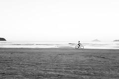 Bike (Erik Nardini) Tags: ocean sea praia beach water mar seaside agua mood moody oceano saosebastiao nardini lifeisabeach praiadabaleia eriknardini