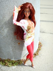 Style Renaissance Adele (Deejay Bafaroy) Tags: red orange black rot toys outdoors doll barbie aerialview makeda adele fr renaissance puppe draussen sytle integrity vogelperspektive fashionroyalty