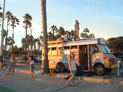 cool bus (Trudi L) Tags: california venice santamonica oceanpark coolbus socal2014