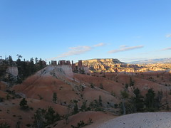 Bryce Canyon viewed from Queen's Garden Trail (John Steedman) Tags: usa america utah unitedstates unitedstatesofamerica northamerica brycecanyon estadosunidos 美國 queensgardentrail norteamérica nordamerika amériquedunord américadelnorte 北アメリカ カリフォルニア州 アメリカ合衆国 加利福尼亚州 北美洲