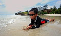 Joy The Beach | Tip Of Borneo | AJP_1764c (azj68@yahoo.com | +6 0138895959) Tags: travel beach kids nikon joy tip malaysia borneo sabah pantai kudat travelphotography tipofborneo northborneo tanjungsimpangmengayau sabahtourism