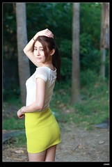 nEO_IMG_DP1U3900 (c0466art) Tags: school light sunset portrait girl face yellow canon nice soft university pretty outdoor quality taiwan skirt short figure pure 1dx c0466art