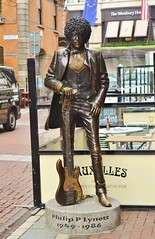 Phil Lynott Statue (Michelle O'Connell Photography) Tags: ireland musician dublin monument statue memorial eire poet bassguitar phillynott thinlizzy wildhorses songwriter leinster republicofireland harrystreet fenderprecisionbass philipparrislynott michelleoconnellphotography