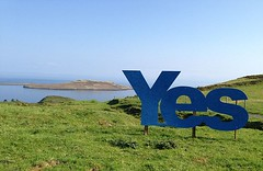 A Giant 'Yes' Vote Sign Erected Against The Stunning Backdrop Of The Isle Of Skye (referendumlive) Tags: skye sign scotland britain yes scottish 17 sep independence vote referendum isle 2014 notpersonality indyref yesscot 24979720 reflive