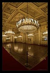 Palazzo Reale III (Emilio Casini) Tags: torino turin architettura architcture palace palazzoreale royalpalace luce lampadari light lights nikonpassion nikon passion