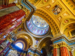 Szent István Bazilika (Marc Rauw.) Tags: boedapest budapest em10 omd olympus olympusomdem10 city m43 microfourthirds travel μ43 hungary basilica ststephensbasilica szentistvánbazilika sintstephanusbasiliek church religion architecture art gold golden cupola ceiling lookingup colorful colors colourful colours wideangle mzuiko918mm mzuiko 918mm