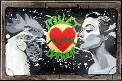 Poulet D'amour (dans ma valise il y a...) (Agop'Stencils) Tags: hipbotunsquare