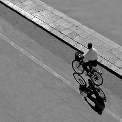 bicicletta (archifra -francesco de vincenzi-) Tags: bw bicycle square bicicleta minimalism sicilia carré bicicletta mazaradelvallo archifraisernia francescodevincenzi