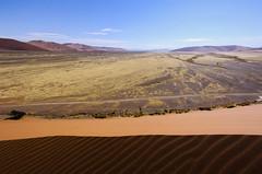 IMG_2105 (gaujourfrancoise) Tags: voyage africa travel landscapes trails roads namibia ways paysages afrique namibie roadstonowhere chemins namibdesert naukluft dsertdunamib gaujour cheminsquinemnentnullepart