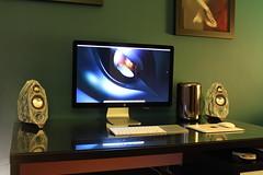 Mac Pro Evolution of the Species (Apple Lover) Tags: desktop new blue red 2 6 3 cinema black green apple set 30 computer cores fan mac inch imac geek display top 4 8 beta led usb pro setup 12 trashcan gadget alpha 27 core d500 mavericks ecc thunderbolt lateral 1440 d300 xeon 2560 yosimete macbook 2013 unbox macpro d700