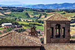 GRADARA. (FRANCO600D) Tags: italy panorama canon italia tetti sigma campanile campagna veduta castello borgo marche rocca colline medioevo campi gradara eos600d franco600d