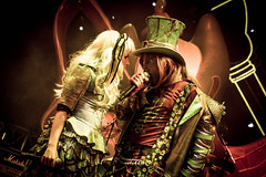 (emily.peterson202) Tags: alice disneyland livemusic disney madhatter aliceinwonderland californiaadventure hatter madt livemusicphotography disneylandanaheimca madtparty madtpartyband madtband
