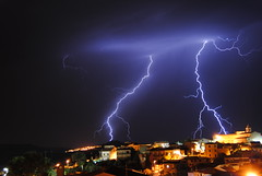 Lightning in Sardinia 21 (Abbruxiau) Tags: sardegna storm night mediterraneo mare sardinia foto 03 agosto di lightning timer notte luce 08 esposizione tempesta passione 2014 fulmini nurallao comandato nuradha
