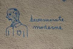 (Le fonctionnaire de) l'tat, c'est moi (Photocapy) Tags: modern graffiti bureaucracy civilservant bureaucrat hetnieuwewerken neoweberian