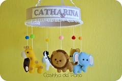 Móbile bichinhos (Casinha de Pano) Tags: handmade felt zebra macaco feltro girafa urso elefante decoraçãoinfantil móbiledeberço leçao