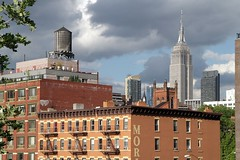 Pure NYC (christing-O-) Tags: nyc sky usa skyline empirestatebuilding highline
