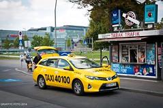 Vienne, Wien, Vienna (Graffyc Foto) Tags: vienna wien park yellow jaune austria nikon foto taxi toyota kiosque osterreich f28 tabak öbb prater vienne autriche 2014 1755 d300 trafik obb 401000 raffyc
