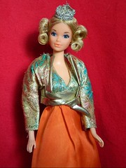 VINTAGE MOD MISS AMERICA BARBIE DOLL QUICK CUR w/ SALMON PARTY BEST BUY 7843 (laika*2008) Tags: party america vintage mod doll w barbie salmon best buy miss quick cur 7843