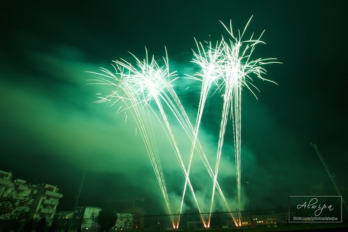 """Fireworks • <a style=""""font-size:0.8em;"""" href=""""http://www.flickr.com/photos/104879414@N07/15070299257/"""" target=""""_blank"""">View on Flickr</a>"""