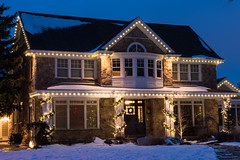 Slo Mo Bulbs (Christmas World) Tags: lighting christmas light house holiday snow tree led mo event incandescent slo c9 c7 christmaslitescom