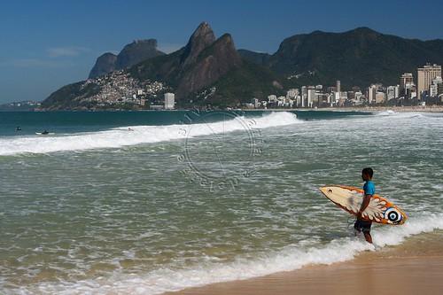 Surfista no Arpoador - Surfer at Arpoador