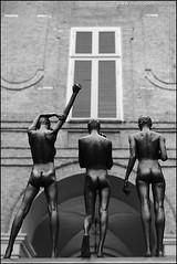 Torino 0350 (malko59) Tags: blackandwhite sculpture art bronze torino arte turin biancoenero scultura bronzo giuseppebergomi cronografiadiuncorpo