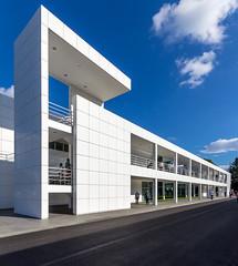 Richard Meier (Anthoone) Tags: white blanco luz architecture facade canon arquitectura brenner himmel architect richard 600 architektur montaje industria industrie meier arquitecto 600d produccin weishaupt