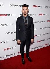 (Jonasbesties) Tags: red carpet handsome joe suit event vogue jonas 2014