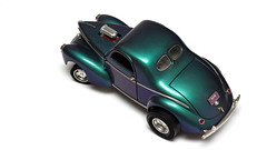 1:18 Chrysler Willys 1941 (ossy59) Tags: pentax k3 f50 smcpf50mmf17 miniatur modell model modellauto tabletop variocrom color flop toy spielzeug auto coche car 118 chrysler willys 1941 roadlegends no92278 coupe