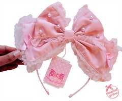 Dolly Pearl Headbow (callistamarie) Tags: sweetlolita blog lolitablog blogger lolita lolitafashion ap angelicpretty angelicprettyusa haul headbow bow pearl silk lace lolitabrand brand